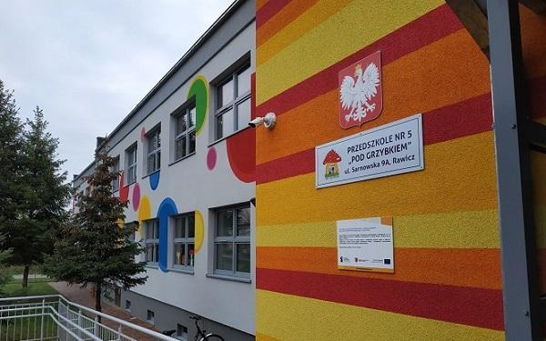 Remont przedszkoli i szkoły podstawowej w gminie Rawicz