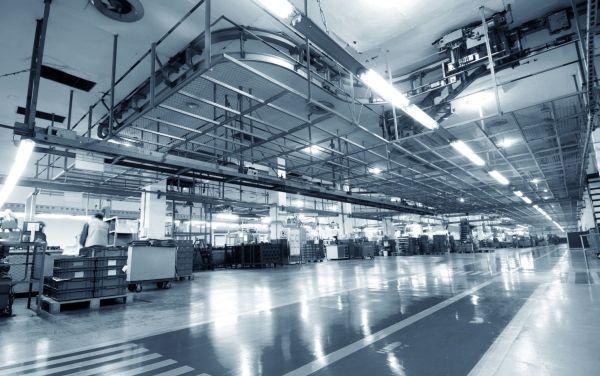 Oświetlenie przemysłowe typu HCL. Jak oświetlenie przemysłowe dostosować do potrzeb pracowników?