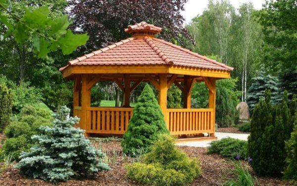 Altany i wiaty w ogrodzie - z czego i jak zbudować ogrodową altanę i wiatę